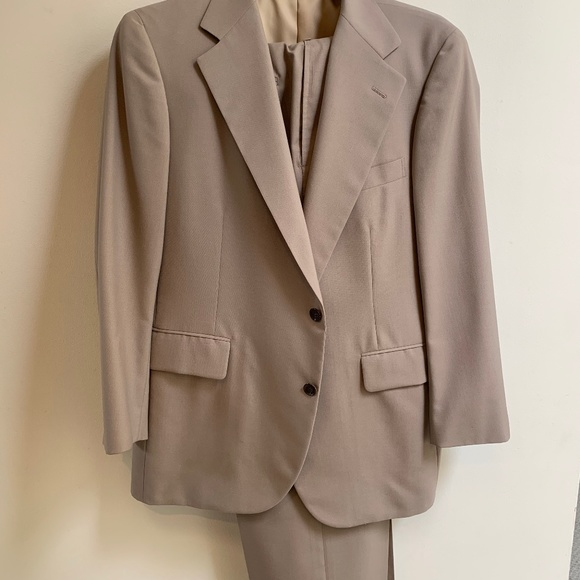 Carroll and Company Other - Mens suit